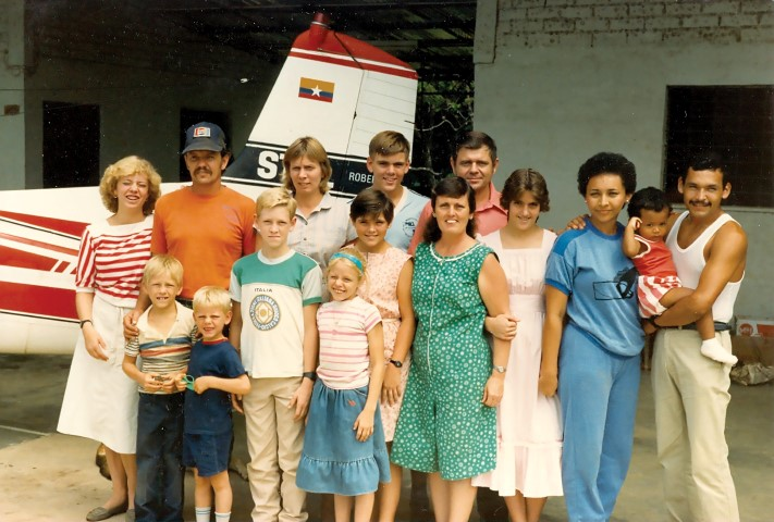 Mark and Joyce Cain with the Guahibo team right after evacuating in 1987